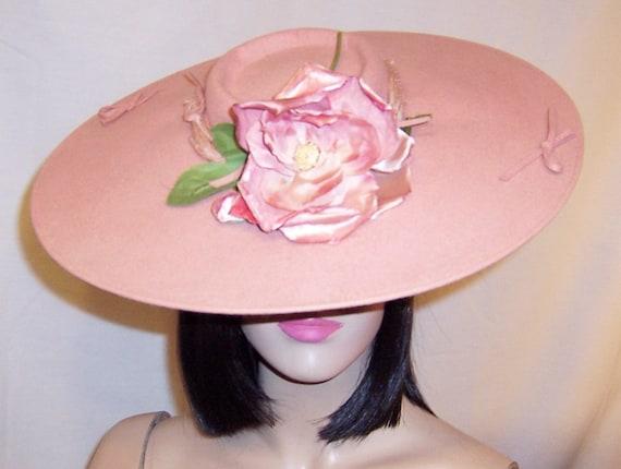Depression Era-Pink Wool Felt Platter Hat with Ro… - image 4