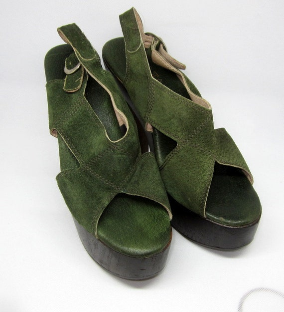 Authentic 1970's Green Suede and Wooden Platform … - image 3