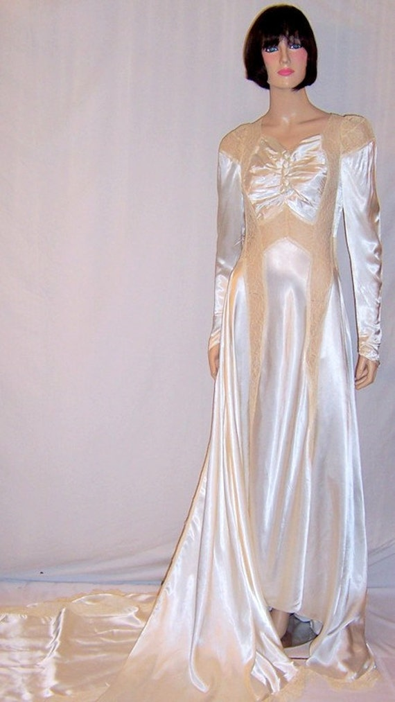 1940's Exquisitely Designed White Charmeuse Weddin