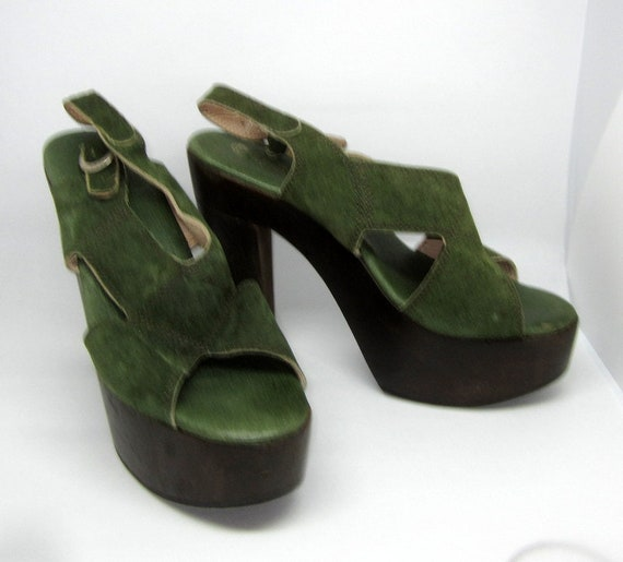 Authentic 1970's Green Suede and Wooden Platform … - image 4