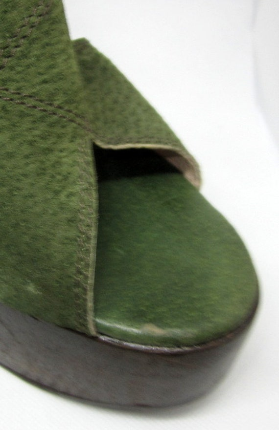 Authentic 1970's Green Suede and Wooden Platform … - image 7