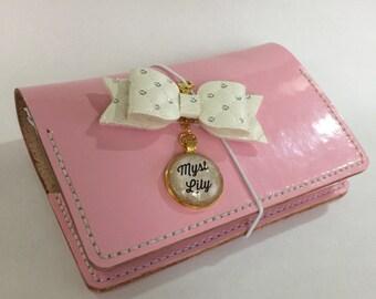 Leather Traveler's Notebook Deluxe - Customizable - Passport Pocket Personal A6 B6 Regular Cahier A5 A4 Handmade Journal Life Planner Diary