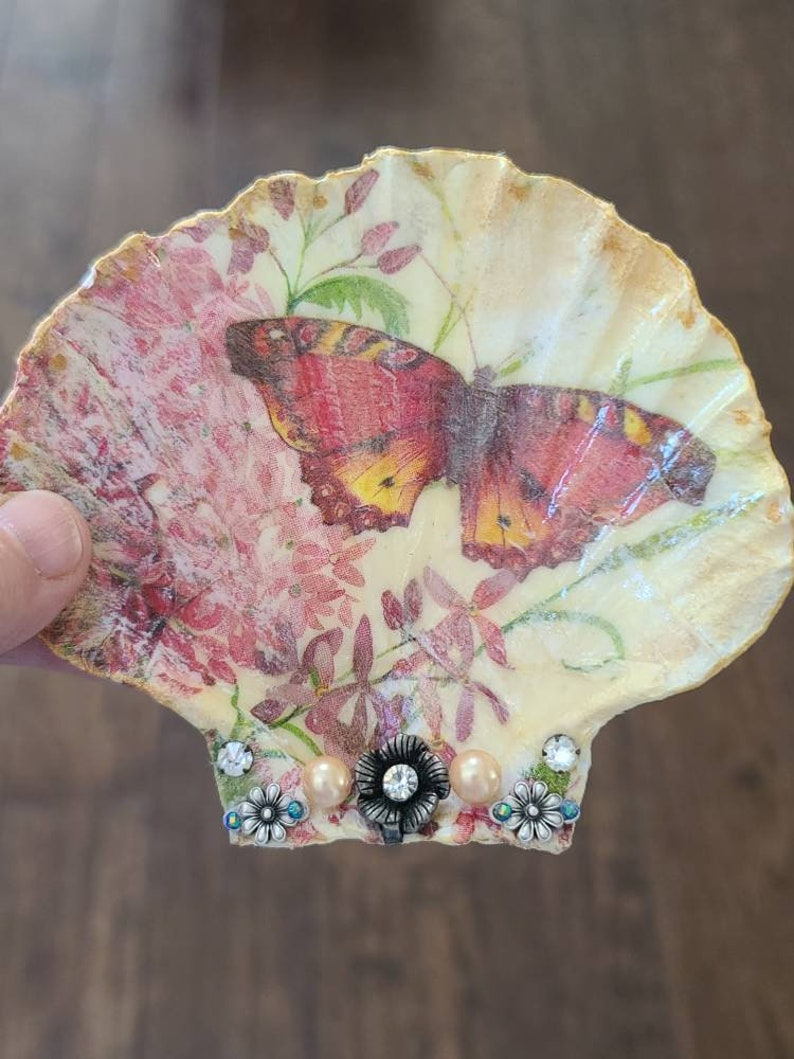 Gorgeous Sea Shell hand decorated with a beautiful Butterfly vintage pearls and Rhinstones