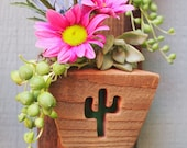 Small cactus planter - Air plant holder - Succulent - Reclaimed wood wall hanging planter - Rustic - Vertical planter - Indoor - Outdoor