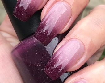 Depth of my Heart thermal nail polish
