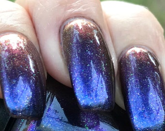 Huntress (remix) chameleon nail polish
