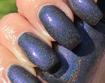 Sleek blue shifty holo nail polish