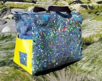 1daeef3303 Sac de plage en lin enduit bleu jean et taches de peinture multicolores