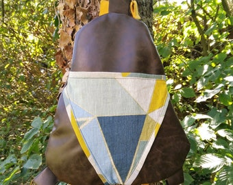 Backpack in faux leather and linen geometric figures