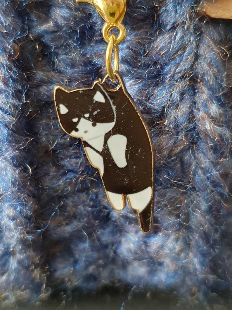 Kitten crochet and knitting stitch marker black or white
