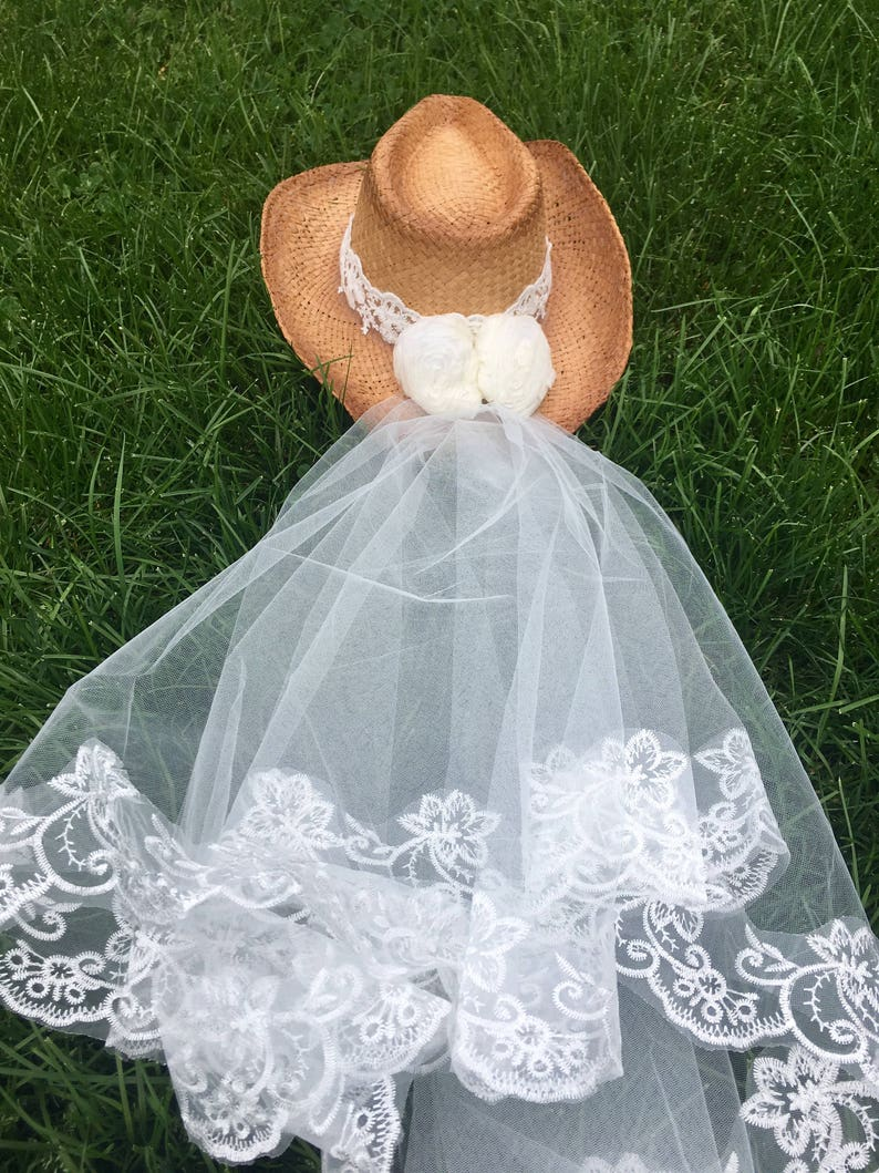 edbc4bf2d Bachelorette veil-Cowgirl hat with veil-Bride-cowboy hat-bride- cowgirl  hat-bridal veil-weddings-bachelorette party-bachlorette-hat-wedding