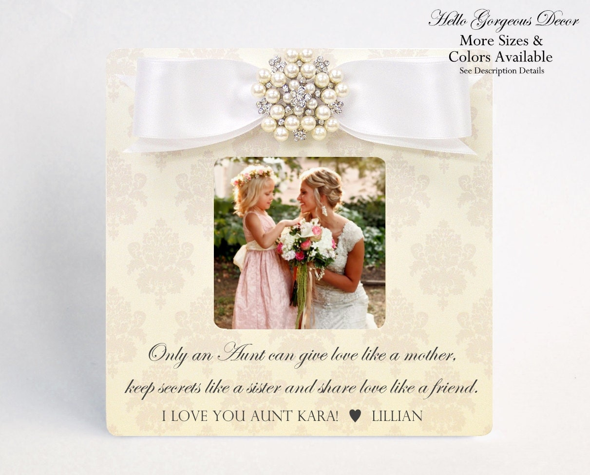 Aunt Gift Personalized Picture Frame ONLY AN AUNT can give hugs like ...