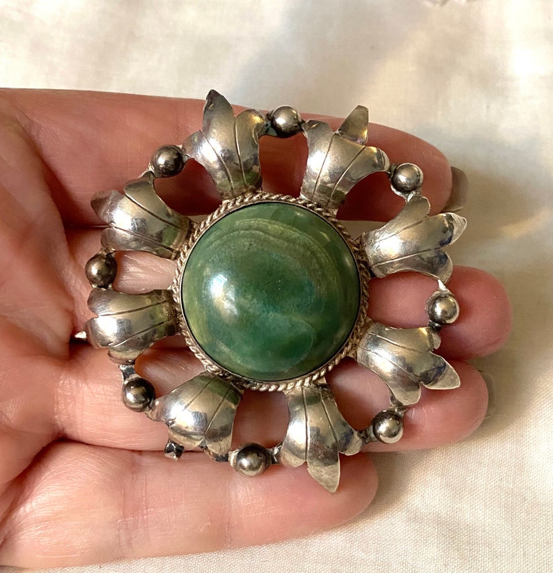 Early Mexico Sterling Silver /& Green Stone Pin