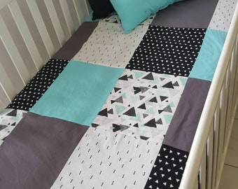 Blanket Quilt blanket for babies - size crib - turquoise - geometric - triangle