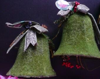 5 Green Christmas Bells