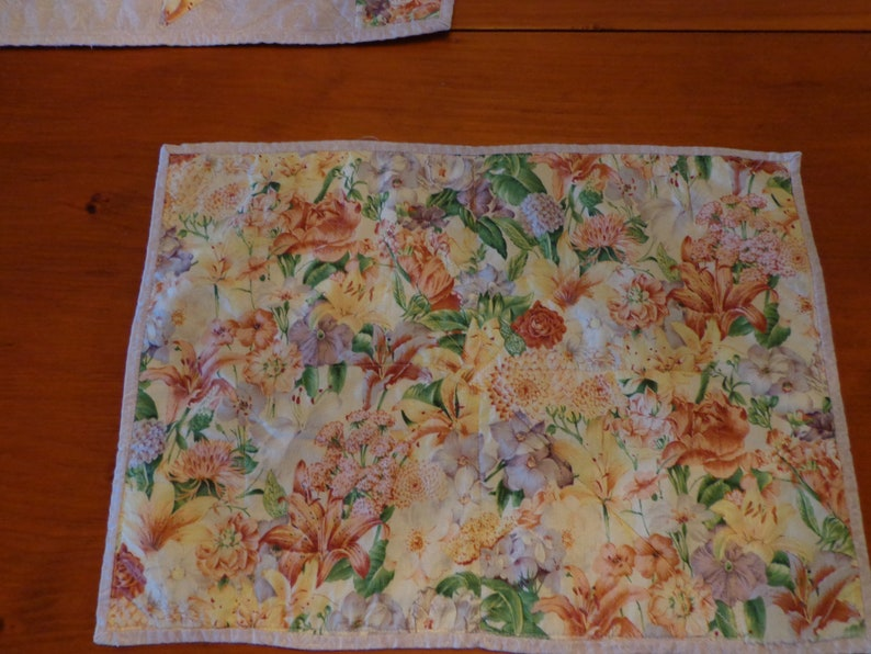 6 Floral Quilted Placemats