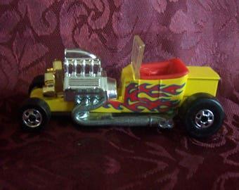 Vintage 1988 Convertible Hotrod Hotwheels Car.