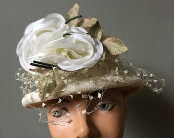 9a3c38f8cd8 1950s White Straw Hat with Roses