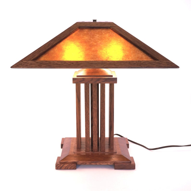 13263e1356a8c Onandaga Lamp a spindle-style mica lamp in the Stickley and