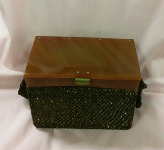 1930's Beaded Box Purse with Bakelite Top - image 2