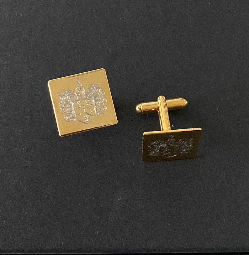 Crest Engraved cuff links Customized Personalized Initial Gift for man Weeding Accessories for Groom Mens cuff links Name Cufflinks