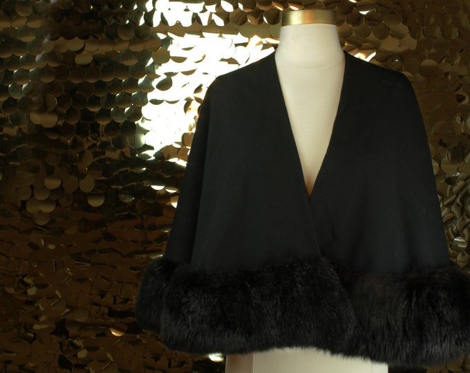 SUBLIME 60s 70s 80s Black Fur Trimmed Vintage Cape/ VTG/ Sweeping Wrap/ Drapey Cropped Shawl/ Unusual Shrug/Fluffy Stole/Hollywood Glamour