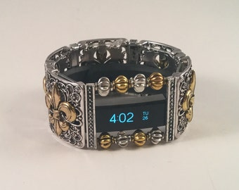 FitBit Luxe Cover: Fraser Fleur de Lis in Silver and Gold with Window