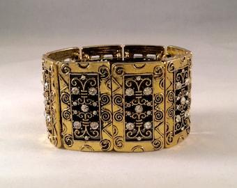 Fashion Bracelet: Gold Claire's Curls