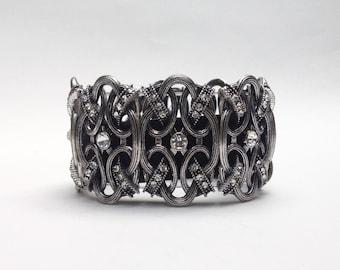 Fashion Bracelet: Windsor Knot in Antique Silver
