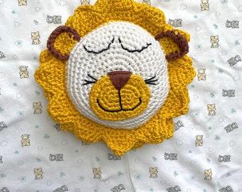 Crochet Music Box Lion - Sleep Child Sleep Melody