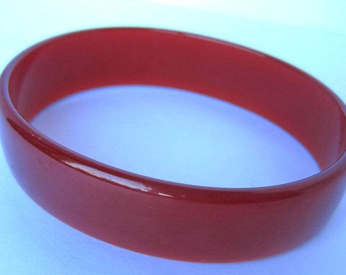 BAKELITE tested oxen blood / cinnamon oval shaped Bangle Bracelet ~uniquely colored vintage costume jewelry