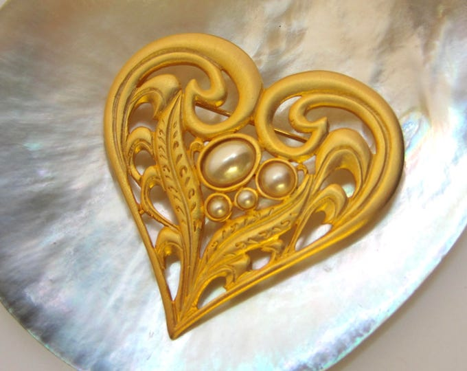 VENUE USA signed stylized Heart with pearl bead pin ~vintage costume jewelry