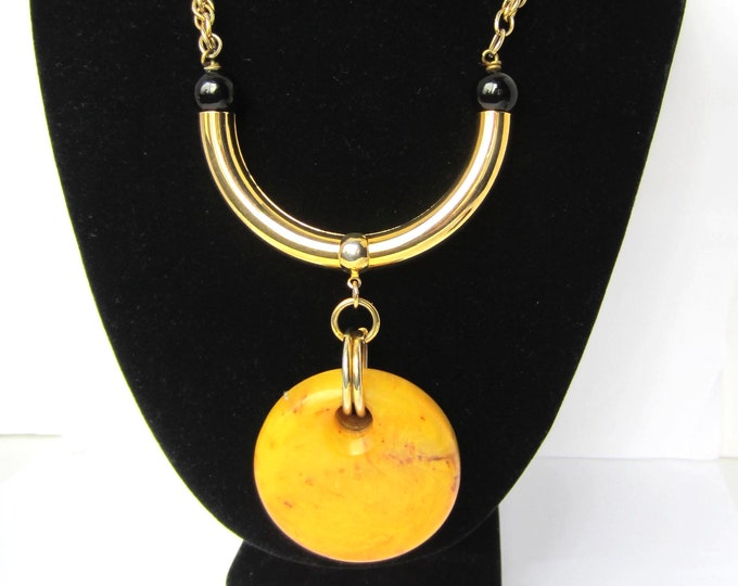 CADORO signed Egyptian Revival/Art Deco inspired BAKELITE disk NECKLACE/Pendant ~rare vintage costume jewelry