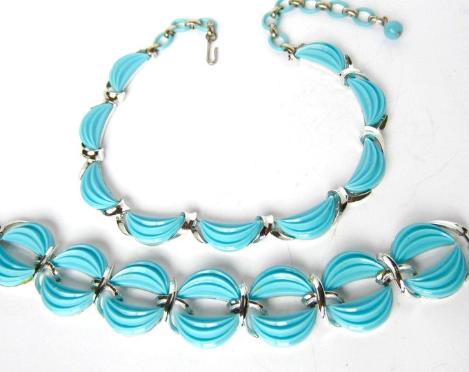 Lisner signed Robin's Egg BLUE thermoset, silver tone Necklace, Bracelet set ~pretty vintage costume jewelry