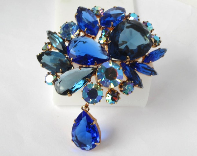 "Juliana D&E verified ""Shades of Blue"" crystal bouquet PIN set in ROSE tone metal ~wonderful, mesmerizing vintage costume jewelry"