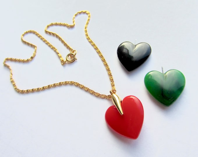 Sweet three HEART interchangeable pendant, chain, & original box ~fun vintage costume jewelry