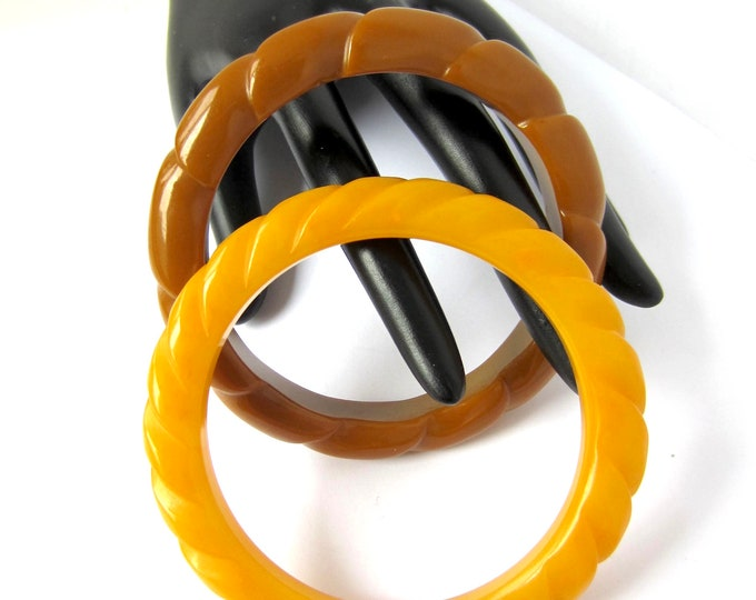 BAKELITE tested twisted ROPE designed Bangle BRACELET Set ~50 gms of pretty, eye-catching vintage costume jewelry