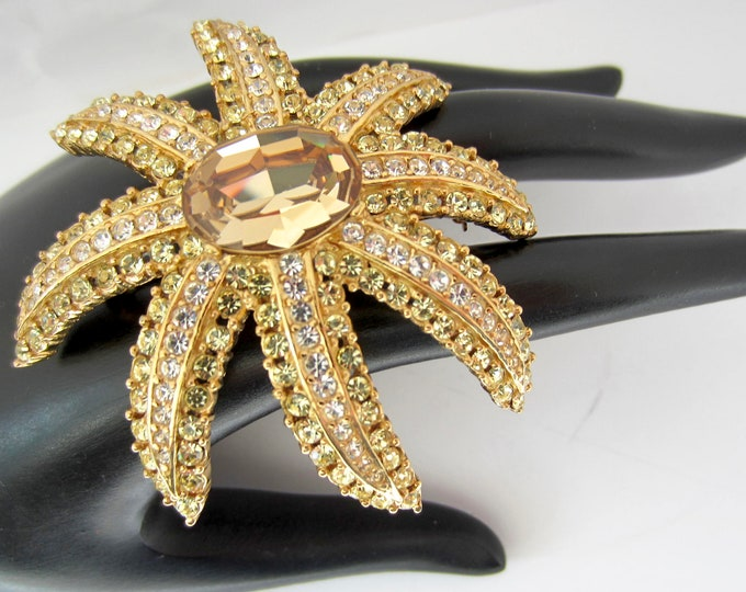 Ciner signed crystal STARFISH brooch ~one small missing crystal ~beautiful, collectible vintage costume jewelry