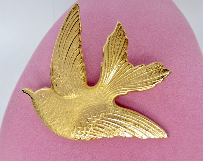 Beautiful, Big, Brushed gold tone BIRD pin ~fascinating vintage costume jewelry