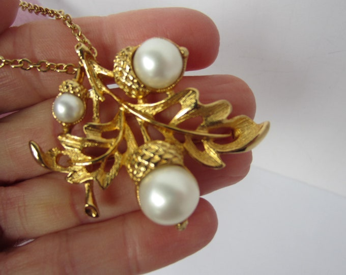 Avon signed Acorns gold tone leaf, Pearl bead PIN/Pendant with original Chain SET ~pretty vintage costume jewelry