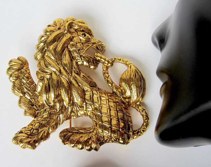 Joan Rivers signed big Mythical LION king pin ~awesome, couture vintage costume jewelry