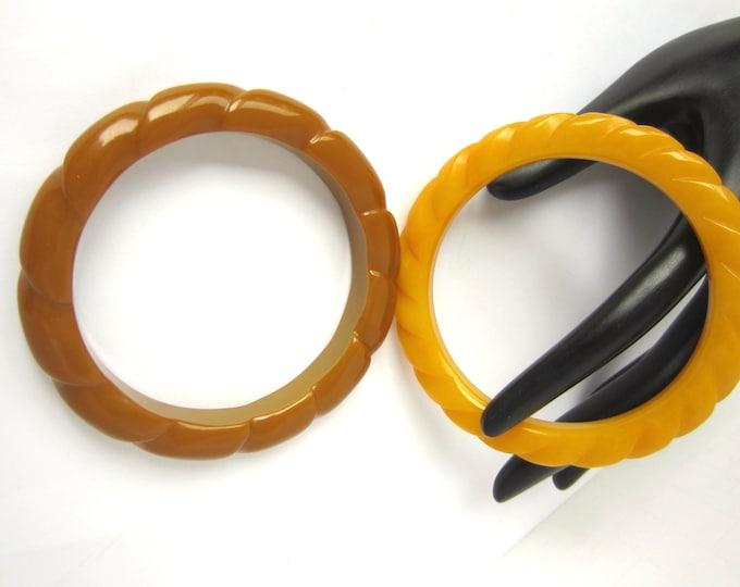BAKELITE tested twisted ROPE designed Bangle BRACELET Set ~50 gms of pretty, eye-catching vintage costume jewelry