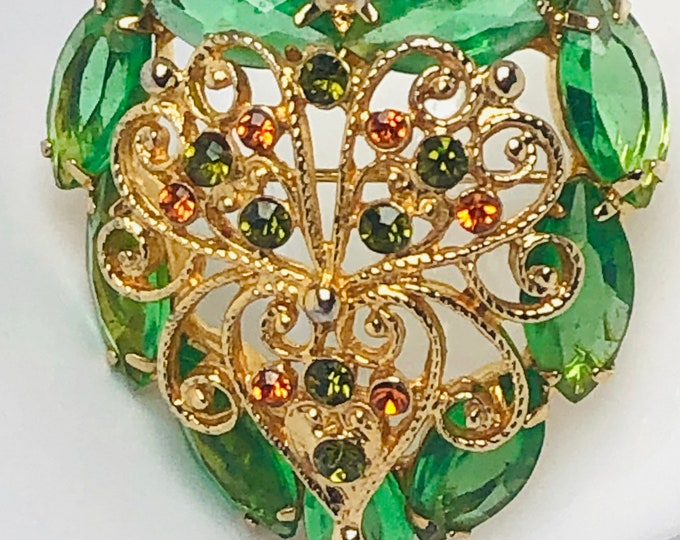 Juliana inspired Heart shaped, filigree, green crystal Pin ~pretty vintage costume jewelry