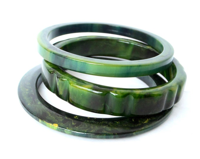 Lot Modernist BAKELITE tested Carved Cog, Inky, & Saucer marbled Green, BLUE MOON Bangle Bracelets ~50 gms vintage costume jewelry