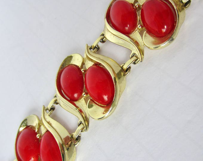 Charel signed Marbled RED BAKELITE tested bracelet ~61 gms of pretty, chunky, vintage costume jewelry