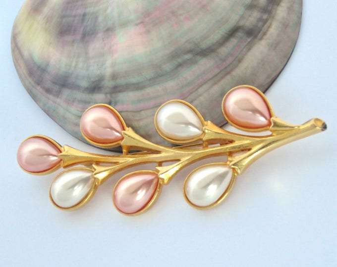"""Ben-Amun signed """"balloon"""" pink, white pearl bead Flower Pin in gold tone metal ~pretty, vintage costume jewelry"""