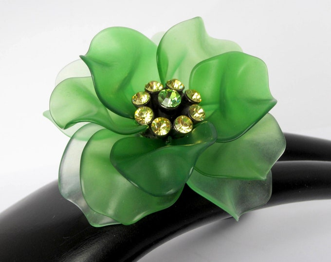 Rare Green Acetate/Cellulose translucent, dimensional FLOWER pin ~lovely, collectible vintage costume jewelry