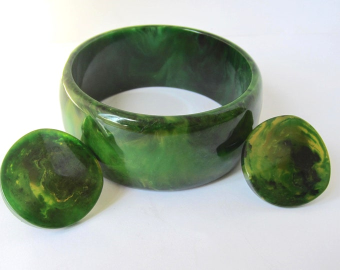 Bakelite tested GREEN Marbled,  End-of-the-Day melded Bangle & Earrings lot ~58 gms of beautiful, vintage costume jewelry