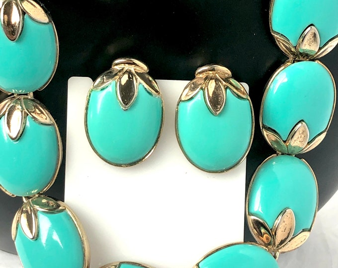"""TRiFARi signed Turquoise color bead Necklace & Earring SET ~Sold """"As Is"""" with metal wear; still wearable! vintage costume jewelry"""