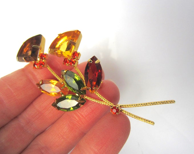 Juliana style FLOWER spray crystal pin ~wonderful, vintage costume jewelry